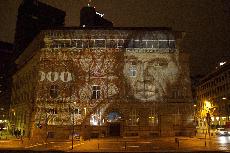 Tom Groll - 'Scheinbares' Deutsche Bank Gebäude Frankfurt